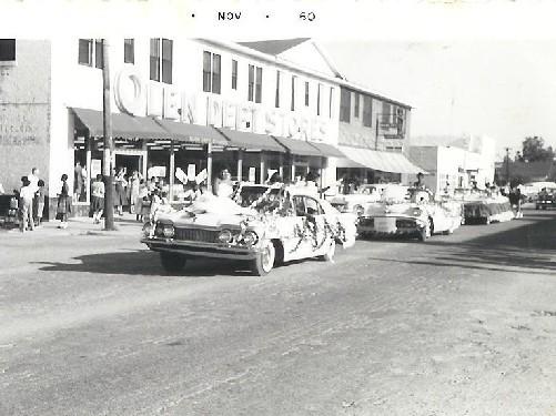 Homecoming-Parade1960_4